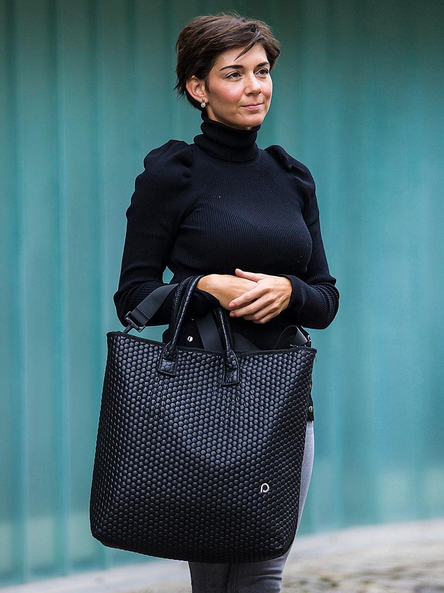 kliknutít zobrazíte maximální velikost obrázku univerzálna taška Black Comb